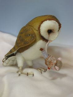 Needle Felting, felted owl and best friend mouse. This looks like Molly the owl!