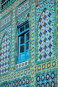 #PANDORAloves the gorgeous mosaics on the Blue Mosque in Mazar-e-Sharif, Afghanistan.
