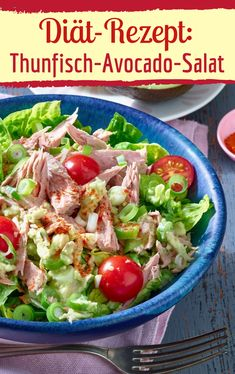 Made super quick: tuna and avocado Super schnell gemacht: Thunfisch-Avocado-Salat Tuna avocado salad for your diet - Salad Recipes Healthy Vegetarian, Side Salad Recipes, Salad Recipes For Dinner, Chicken Salad Recipes, Salad Chicken, Avocado Tuna Salad, Avocado Chicken, Clean Eating Recipes, Sour Cream