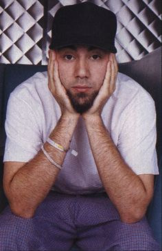 Am I the only who who thinks a young looking Chino Moreno also looks a bit like a young Mike Shinoda?