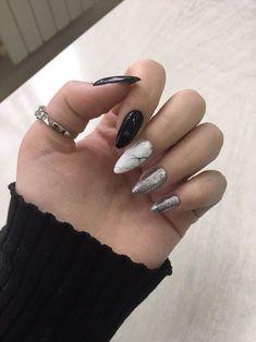 makeup nailart and nail makeup nail designs brush nail designs airbrush makeup nail makeup nail makeup nail makeup prom dress makeup nail design Classy Nails, Stylish Nails, Simple Nails, Ten Nails, Almond Nail Art, Black Acrylic Nails, Pastel Nails, Chrome Nails, Super Nails