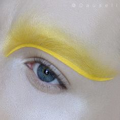 "6,152 gilla-markeringar, 47 kommentarer - Marie Dausell (@dausell) på Instagram: ""Product list: • @maccosmetics Acrylic paint in 'Primary Yellow' and 'Pure White' (mixed) and…"""