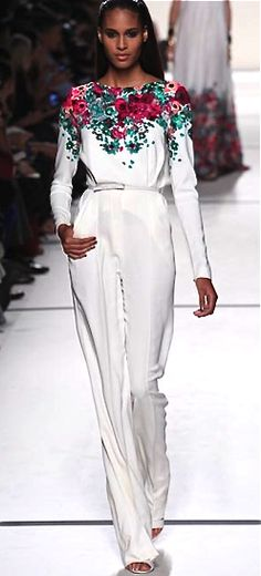 Elie Saab, 2014 Floral Fashion, I Love Fashion, Timeless Fashion, Daily Fashion, Passion For Fashion, Fashion Beauty, Girl Fashion, Womens Fashion, Fashion Design