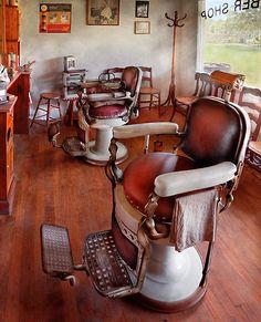 Old vintage barber chair! Love.