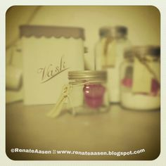 ©RenateAasen  www.renateaasen.blogspot.com Mason Jars, Place Cards, Place Card Holders, Homemade, Canning Jars, Diy Crafts, Do It Yourself, Home Made, Glass Jars