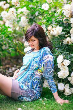 pregnancy maternity couple photo shoot London Regents park summer rose garden sunset