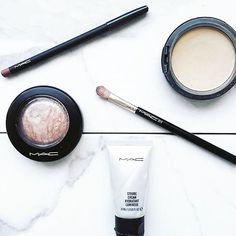 Make up are a girls best friend 💁🏻💁🏻 #makeup #beauty #bblogger #beautyblog #mac #instamakeup #cosmetics #sunday #picoftheday #inspo #inspiration #paris #stockholm #frenchblogger #weekend #fashion #style #styleinspiration #styleblogger #stylist #mode #blogger #fashionista #bestfriend #photo #fblogger #lifestyleblogger #goodmorning #bonjour #instablogger
