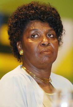 A carioca Benedita da Silva iniciou sua carreira política em 1982, como vereadora. Em 2002, assumiu como a primeira governadora negra do Brasil, após a renúncia de Anthony Garotinho