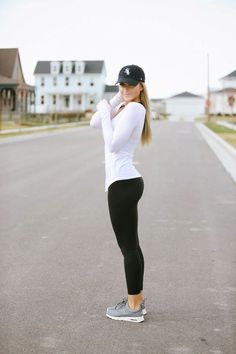 Chic fitness outfits