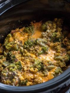 Cheesy Crock Pot Broccoli Stuffing Casserole It's the third ingredient that really makes the dish special. Slow Cooker Casserole, Stuffing Casserole, Casserole Recipes, Broccoli Casserole, Cornbread Stuffing, Bean Casserole, Crockpot Stuffing, Stuffing Recipes, Slow Cooker Recipes