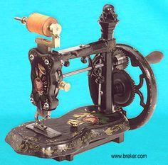 """❤✄◡ً✄❤ The Name """"New England"""" is widely used to describe a distinctive family of machines manufactured in the USA during the 1860s/70s.  This """"type"""" share similar characteristics, - namely a Raymond's looper to form a single thread chain stitch, and a presser-foot cloth feed.   - http://www.dincum.com/library/libraryimages/newenglands/lib_new_england6.jpg"""