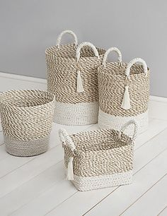 icu ~ See how to make a basket of jute with your own hands. ~ See how to make a basket of jute with your own hands. Jute Crafts, Diy Home Crafts, Crafts To Sell, Diy Home Decor, Home Decor Hacks, Upcycled Crafts, Decorating Your Home, Room Decor, Diy Para A Casa