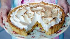 Sitronpai (lemon pie) Lemon Curd, First Birthdays, Sweet Tooth, Sweet Treats, Goodies, Gluten, Chocolate, Baking, Recipes