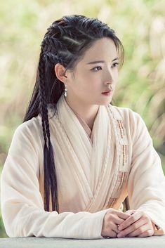 Heavenly Sword, Cute Japanese Girl, China Girl, Chinese Actress, Hanfu, Beautiful Asian Women, Hair Art, Asian Beauty, Cool Hairstyles
