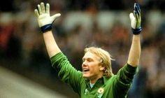 "Name: Gary Richard Bailey Position: Goalkeeper Birthdate: 09-08-1958 Birthplace: Ipswich, England Height: 6' 2"" Weight: 13st 2lbs Nationality: England   Signing Information: Signed Professional: 01/1978 Years at Club: 1978-1987 Debut: 18/11/1978 v Ipswich Town (H) 2-0 (League Division One) Previous clubs:  Farwell to Manchester United: Contract cancelled, 09/1987."