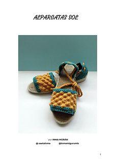 Patrón de alpargatas de esparto con cuerpo en ganchillo. Espadrilles, Baby Shoes, Sandals, Kids, Clothes, Fashion, Shape Patterns, How To Sew, Curves