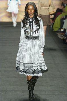 Anna Sui Spring 2005 Ready-to-Wear Fashion Show - Liya Kebede