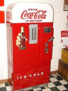 Coca-Cola Vendo 1939 Bottle Machine