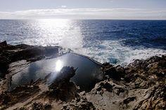 Het vakantiehuis van Susan en haar gezin ligt bij het piepkleine plaatsje El Porís op Tenerife. Uniek is de tide pool tussen de rotsen.
