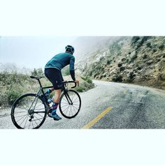 TGIF!  Thanks to @edvfernandez snaps  #outsideisfree #wymtm #fromwhereiride #motivation #ridewithaview #seekandenjoy #cyclingshot #cyclinglife #cyclingpics #cyclingphotos #hillclimb #climbing #climbingtodeath #fit #fitnessaddict #fitness #rapha #pococtal #explore #caad10club #caadlyf #cannondale #caad10 #aluminati #sockheight #sockdopers #sockdoping #shoesockcombo by oshots