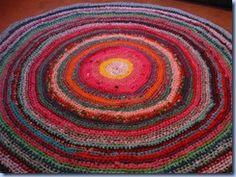 Circular crochet rag rug