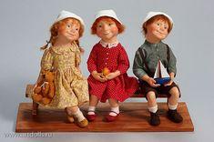 В четверг, 21 мая в Кукольной Галерее Вахтановъ открылась весенняя выставка художественных кукол и мишек «Все в сад!» На открытии выставки Ирина Мызина…