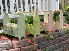 small tote planters Visit & Like our Facebook page: https://www.facebook.com/pages/Rustic-Farmhouse-Decor
