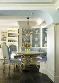 Lasting french country dining room furniture & decor ideas Dining Room Furniture, Furniture Decor, French Furniture, Furniture Dolly, Luxury Furniture, French Country Dining Room, Country Living, Country French, Country Style