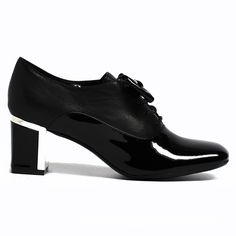 Amok by Top End #style #fashion #topend #cinori #shoe #shoes Fall Winter, Autumn, Style Fashion, Oxford Shoes, Tops, Women, Fall, Fashion Styles