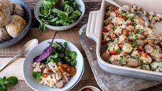 Pølsegrateng med grønnsaker Frisk, Pasta Salad, Cooking Recipes, Chicken, Dinner, Ethnic Recipes, Food, Recipe, Dining
