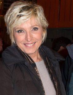 Evelyne Dhéliat est opérée d'un cancer du sein en 2012, à  65 ans. ©Abaca