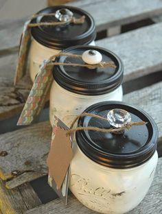 Painted mason jars with knobs #masonjardecor #craft #diymasonjar