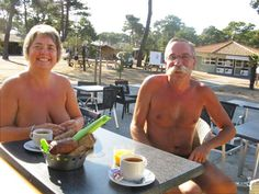 A visit to the Centre Hélio Marin (CHM) de Montalivet, a French naturist resort on the Atlantic coast near Bordeaux, that has over 3,000 sites...