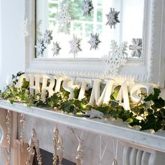 Christmas console table/mirror ideas - This is why I want to build a fake mantle-a-la-Ana for our dining room!!