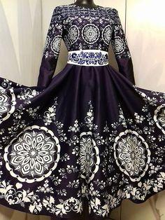 Spoločenské šaty vytvorené z mojej autorskej látky vo farbe modrotlače. Tmavomodrý podklad a biely vzor. Šaty sú v dĺžke midi, kruhová sukňová časť - plný kruh, spodný obvod šiat je skoro 5m, 3/4 ... Ball Gowns, Folk, Victorian, Formal Dresses, Fashion, Ballroom Gowns, Dresses For Formal, Moda, Clearance Prom Dresses