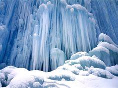 As 50 mais belas cachoeiras naturais do mundo - Queda do CAstelo congelada