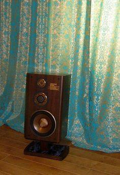 Speaker stands for vintage Diatone speaker system