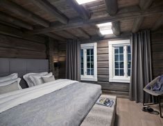 Benefits Of Using Interior Wood Doors Small Cabin, Beautiful Bedrooms, Interior, Interior Architecture Design, House Interior, Wood Doors Interior, Winter House, Cottage Bedroom, Rustic House