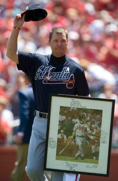 The Cardinals honor Chipper Jones before game...classy fans!