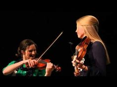 Brooklyn and Courtney Collingsworth fiddle duet (Power in the Blood) 05-08-15 - YouTube