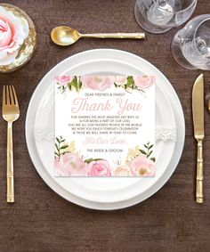 Your guests will feel the love when they sit down at their seat and read this charming thank you place setting card. It's a wonderful way to kick off the reception celebration! #placesetting #weddingideas