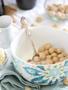 These homemade vanilla almond cereal puffs are a fun change up to your breakfast routine. Ditch the store bought sugar laden cereal boxes for a healthier, gluten free option you can make at home! Paleo Cereal, Healthy Cereal, Cereal Recipes, Real Food Recipes, Cooking Recipes, Yummy Food, Tasty, Healthy Breakfast Recipes, Brunch Recipes