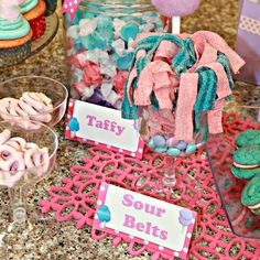 Sour belts for cotton candy party