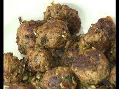 Garlic  Pepper  meat balls- By Vahchef @ Vahrehvah.com Reach vahrehvah at  Website - http://www.vahrehvah.com/  Youtube -  http://www.youtube.com/subscription_center?add_user=vahchef  Facebook - https://www.facebook.com/VahChef.SanjayThumma  Twitter - https://twitter.com/vahrehvah  Google Plus - https://plus.google.com/u/0/b/116066497483672434459  Flickr Photo  -  http://www.flickr.com/photos/23301754@N03/  Linkedin -  http://lnkd.in/nq25sW