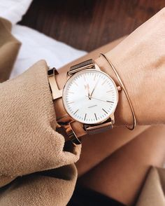Sunset – MVMT Watches I️ like the opalescent face and either gold or rose gold rim. All different bands are cute. Mvmt Watches, Big Watches, Luxury Watches, Cool Watches, Watches For Men, Branded Watches For Girls, Converse Sneaker, Puma Sneaker, Sneaker Outfits