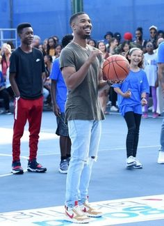 Michael B. Fine Black Men, Gorgeous Black Men, Black Boys, Fine Men, Beautiful Men, Black Men Street Fashion, Mens Fashion, Michael Bakari Jordan, Jordan Photos