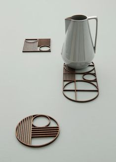 Protect your table with a Ouline trivet by ferm LIVING. Add a timeless Bauhaus dinner setting. Made in geometrical shapes with the ferm LIVING signature. Bauhaus, Color Composition, Art Nouveau, Turbulence Deco, 3d Prints, Deco Table, Art Deco Design, Home Accessories, Design Inspiration