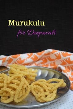 Murukulu or the south indian Chakli is a traditional indian deep fried snack made for Diwali, using a mix of different lentils. Popular Recipes, Great Recipes, Dinner Recipes, Rice Mill, Indian Dessert Recipes, Main Meals, Diwali, Lentils, Fries