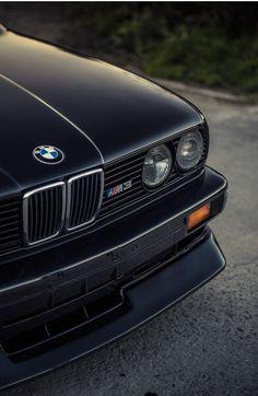 BMW 3 Series (E30) M3 Black