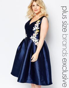 For ma? Chi Chi London Plus Plunge Front Embroidered Prom Dress